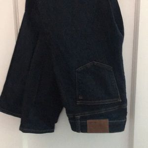 Madewell ankle cut dark blue jeans size 27